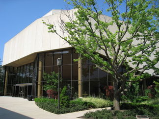 Pick Staiger Hall, Northwestern University — by Daderot (Own work) [Public domain], via Wikimedia Commons